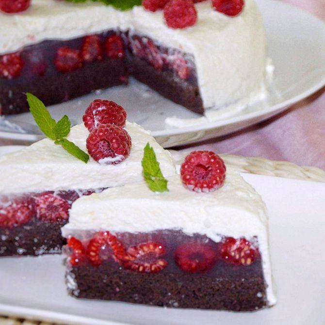 Náhľad receptu Malinová torta so smotanovo - šľahačkovým krémom
