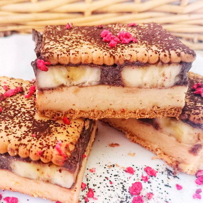 Náhľad receptu Nepečený sušienkový zákusok s banánom a karamelovým krémom