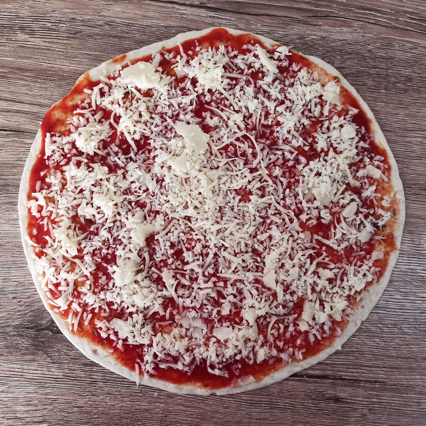 Pizza z celozrnnej tortilly - krok prípravy 3