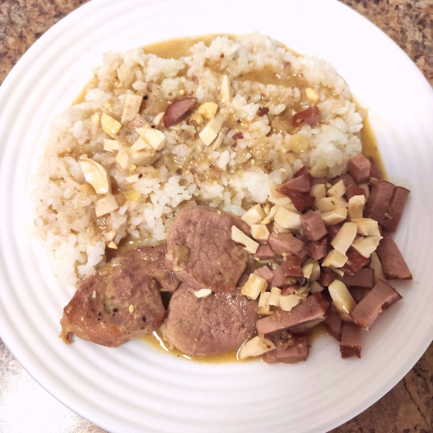 Panenka s údeným mäsom a vareným vajíčkom