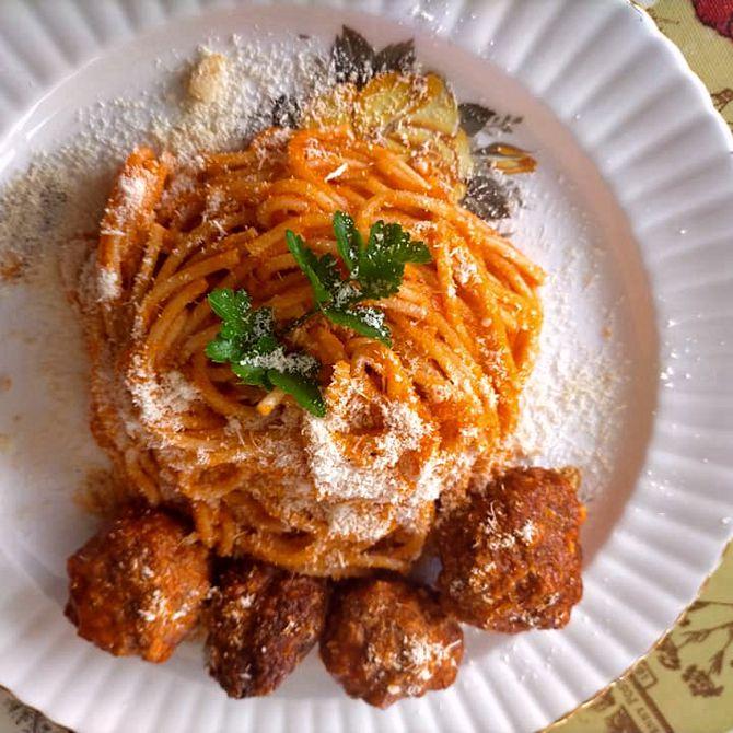 Náhľad receptu Špagety s mäsovými guličkami